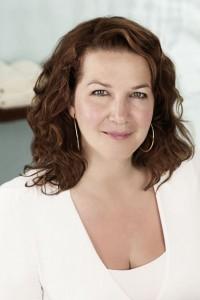 Portrait von der OLAZ Beauty-Expertin Serena Goldbaum