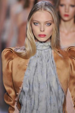 Nina Ricci - Bold Lips
