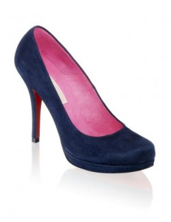 Pumps mit roter Sohle