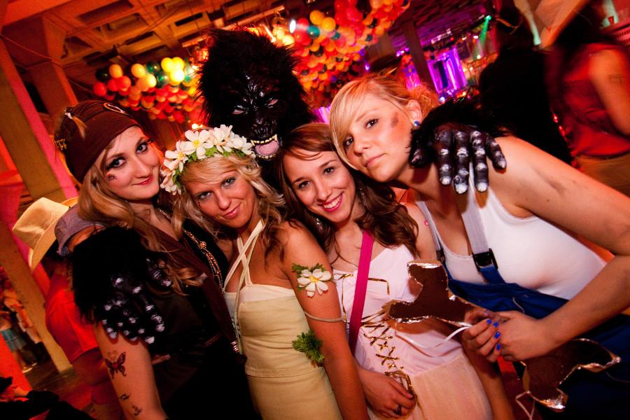 lilabe fummelwiese gay escort club