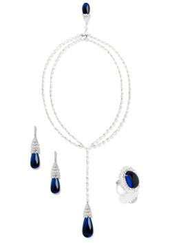 blue saphire necklace grey