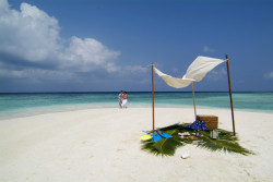 Coco Bodu Hithi_picnic on sand bank