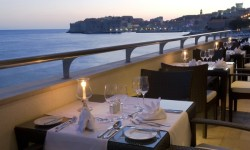 8_Excelsior_RestaurantSalin
