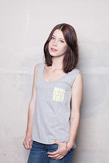Stork&Fox_Women_Squared_Grey_Model_ok