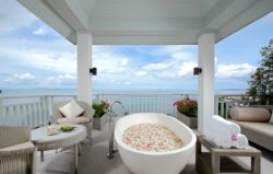 amatara-spa-treatment-suite-overlooking-the-bay